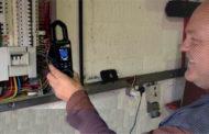 FLIR thermal camera & clamp meter  pass electrician's test